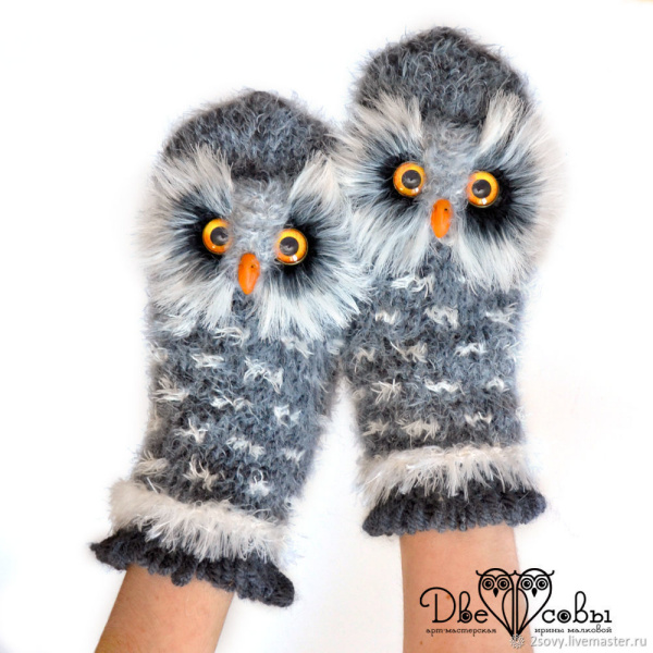 Owl knitted mittens