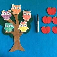 5 hoot owls felt stories//5 red Apples flannel board stories//felt board stories//counting stories//educational toy