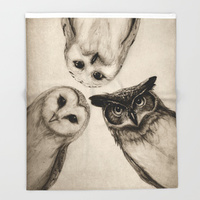 The Owl's 3 throw blanket